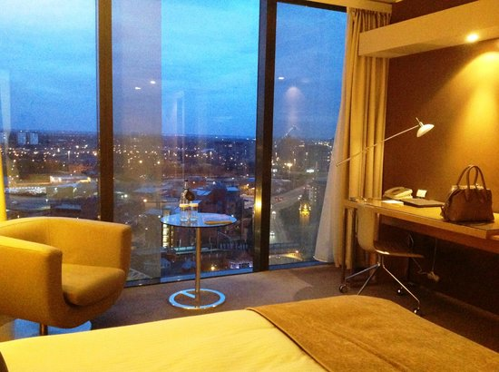Hilton Manchester Deansgate: The view from our room