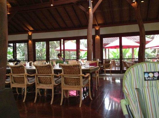 The Farm at San Benito: restaurant's interior