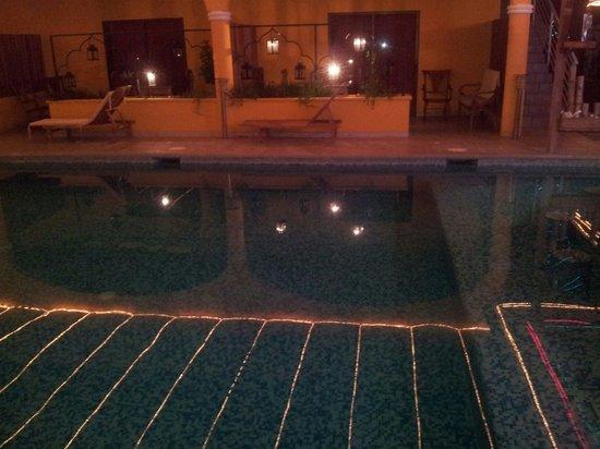 Toro Blanco Resort: Piscina(en frente las habitaciones)