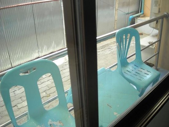 J. Hotel : balcony