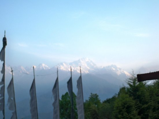 Club 8000 The Brang Mountain Resort: View of Mt. Narsingh and Mt. Pandim