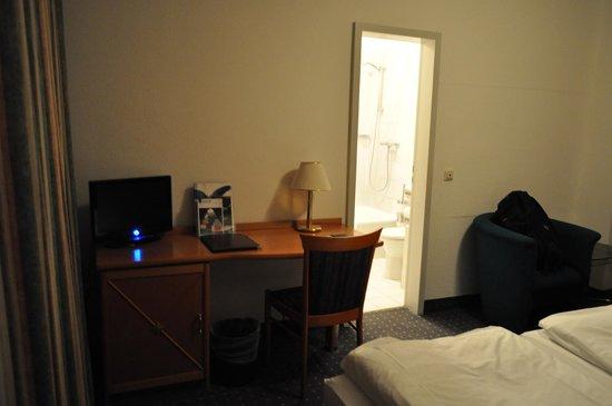 Centro Hotel Royal: Basic Room