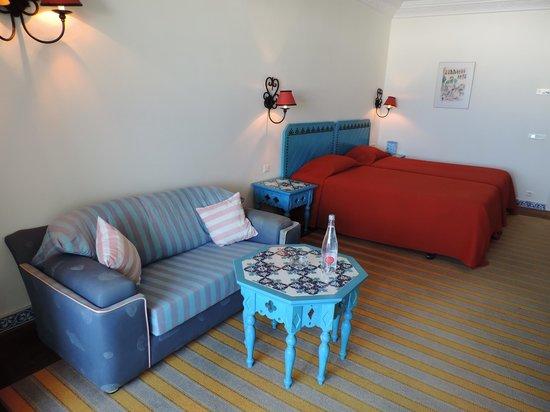 Regency Hotel and Spa : Camera doppia e bagno molto spaziosi.