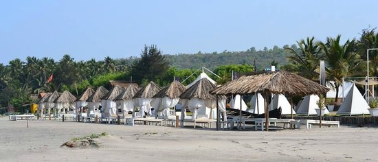 Marbela Beach Resort : View of caban's from the beach