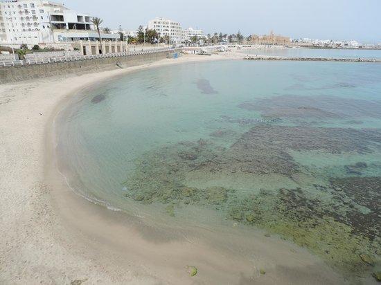 Regency Hotel and Spa : Spiaggia libera a 500mt dall'albergo.
