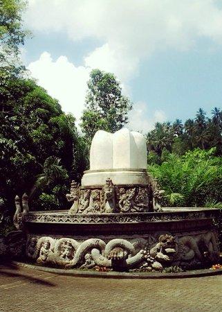 Ayung Resort Ubud: Statue