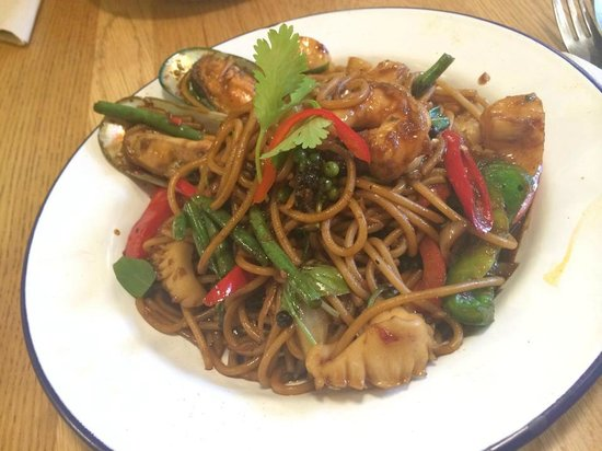 Rosa's Thai Cafe Spitalfields: Seafood spaghetti - way too much chilli!