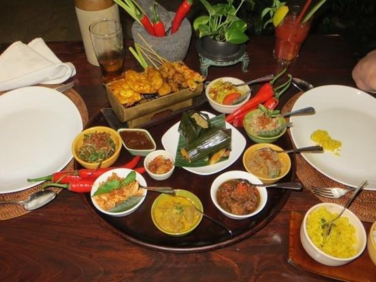Bumbu Bali: Reistafel