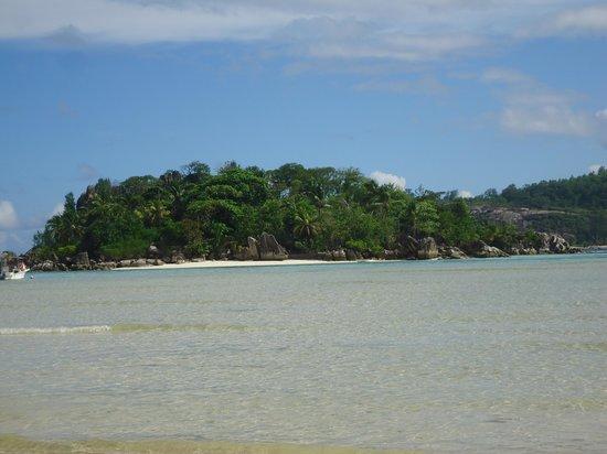 Eden's Holiday Villas: island