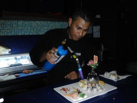 Live Aqua Cancun All Inclusive: the king of sushi, Jonathan.