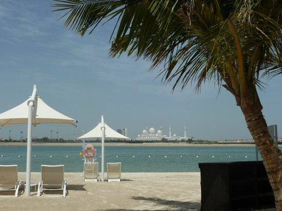 Traders Hotel, Qaryat Al Beri, Abu Dhabi: Beachfront, Traders Hotel, Qaryat Al Beri