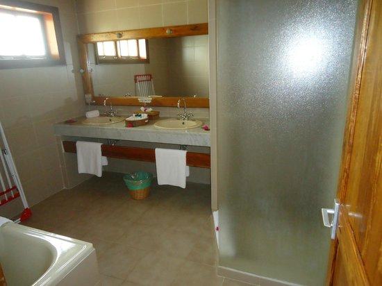 Hotel L'Archipel : Bathroom