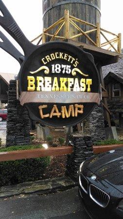 Crocketts Breakfast Camp: Crockett's Breakfast Camp