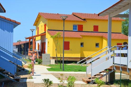 Résidence La Grenadine : Vue extérieure chalet