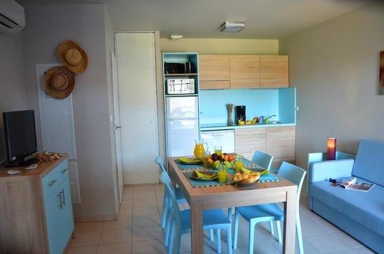 Résidence La Grenadine : Salle à manger / Kitchenette