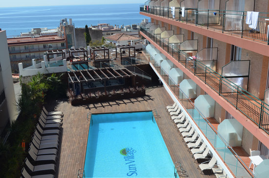 Sun Village : Sea views and Pool