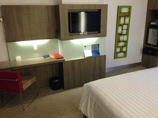 Hotel Novotel Jakarta Gajah Mada: Room