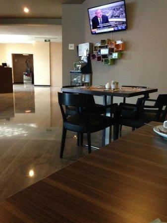 Hotel Novotel Jakarta Gajah Mada : Restaurant