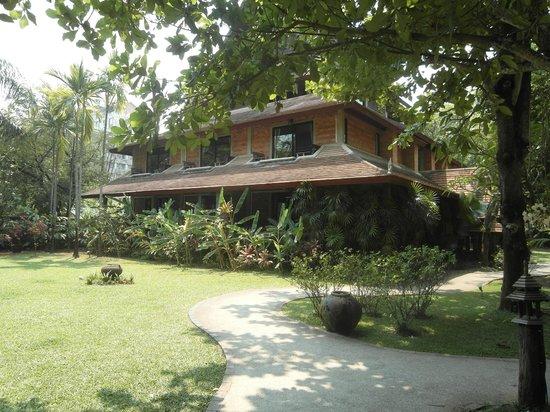 Yaang Come Village: Eines der Gasthäuser, unser Zimmer unten links