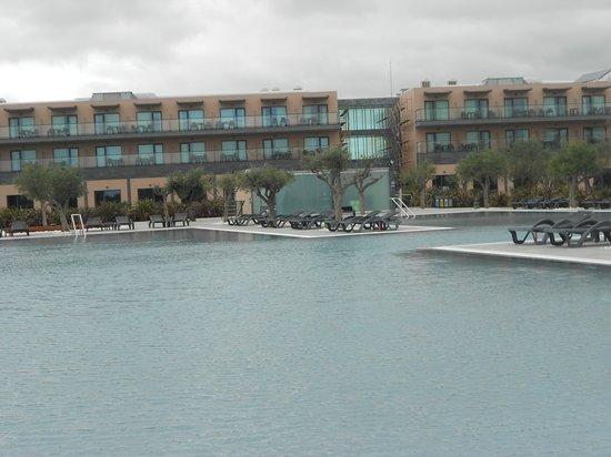 Vila Galé Lagos: Uma bonita vista das piscinas exteriores!!!