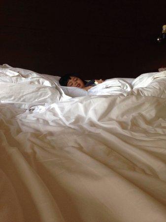 Armada Hotel Manila: My baby had a goodnight sleep��