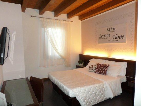 Hotel Gattopardo: Camera Mtrimoniale/ Double Room