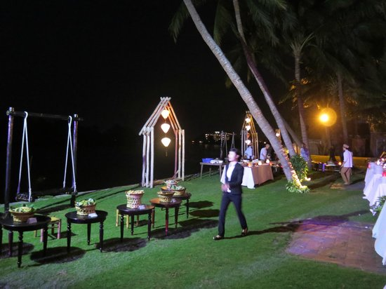 River Beach Resort: Our last night celebration