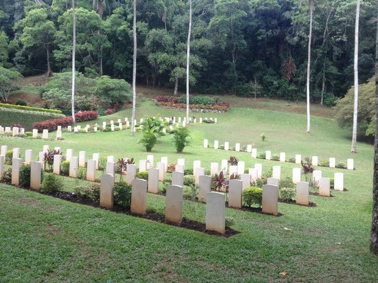 Commonwealth War Cemetery: Picture from the entrance