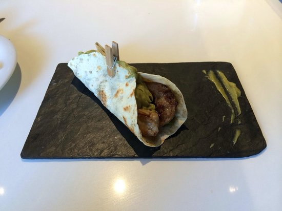 Badiana Tapas: Burrito..