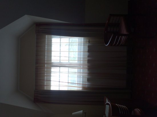 Hotel Villa: small window