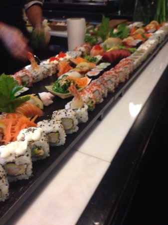 Sushi And Meat/ Al Caveau