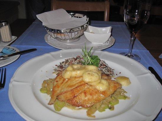 Hotel Weisses Kreuz: Dinner at Hotle Weisses Kreuz