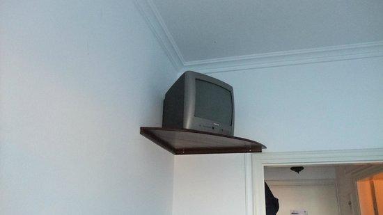 Hotel Nikolas: TV on ceiing