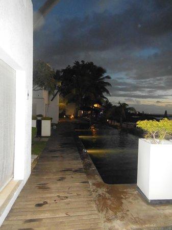 Récif Attitude : piscine de nuit