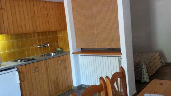 Hotel Calina: Comedor-Cocina