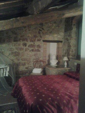 Il Borgo di Sempronio: camera da letto