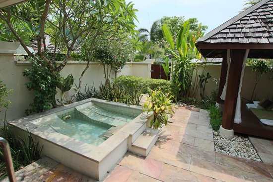The Sunset Beach Resort & Spa, Taling Ngam: Garden Villa