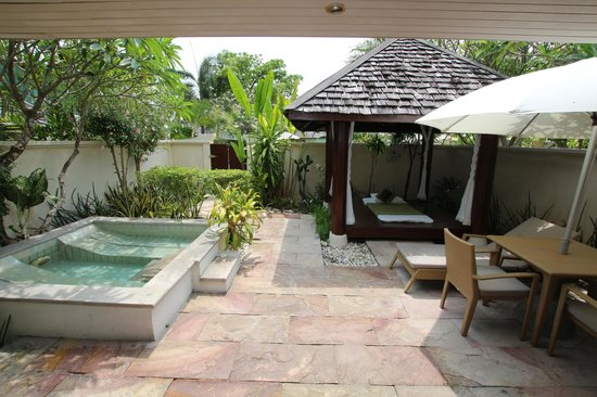 The Sunset Beach Resort & Spa, Taling Ngam : Garden Villa