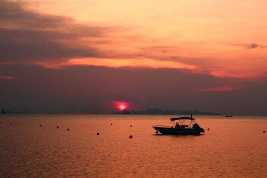 The Sunset Beach Resort & Spa, Taling Ngam : Sonnenuntergang