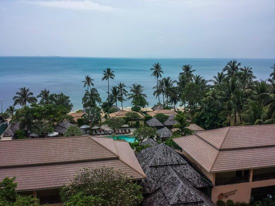 The Sunset Beach Resort & Spa, Taling Ngam: Ausblick Fitnessraum