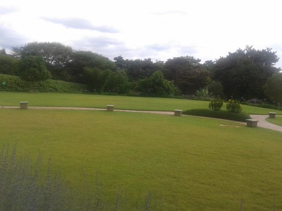 Hemingways Nairobi: View of the grounds for relaxing