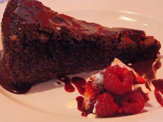 Future Inn Cabot Circus Hotel: Yummy desert - Chocolate torte