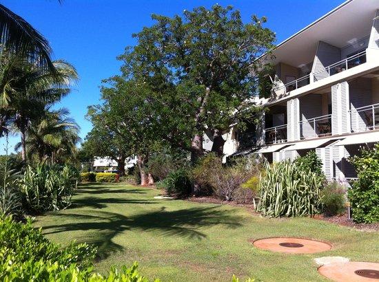 Oaks Broome : Garden Side of resort.