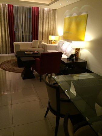 The Address Downtown Dubai : Living room