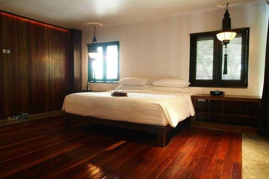Villa Samadhi: 偌大的睡床