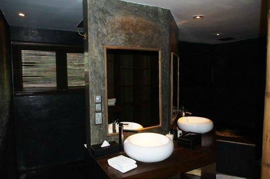 Villa Samadhi: 浴室