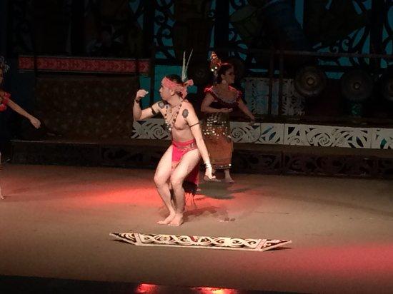 Museumsdorf Sarawak Cultural Village: Cultural Dance 2