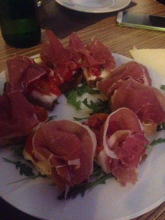 Ciccio's Pizzeria: Bruschetta completa <3