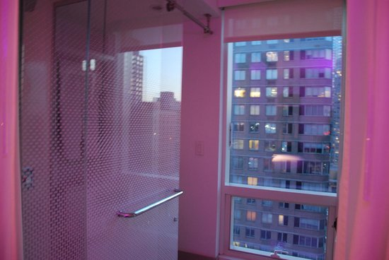 YOTEL New York at Times Square West: Il bagno