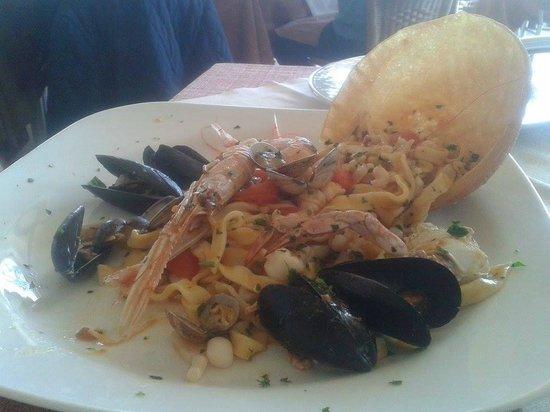 Re Ferdinando: scialatielli ai frutti di mare